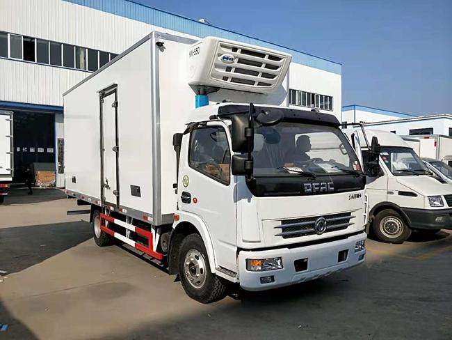 东风多利卡国五冷藏车(5.2米)