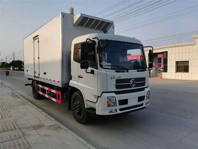 东风天锦国五冷藏车(7.4米)
