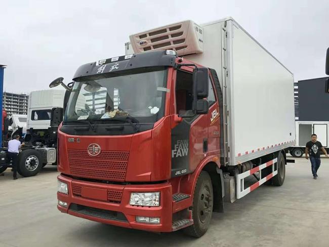 解放J6国六冷藏车(7.5米)
