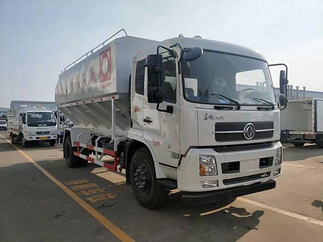 东风天锦散装饲料运输车(22方)
