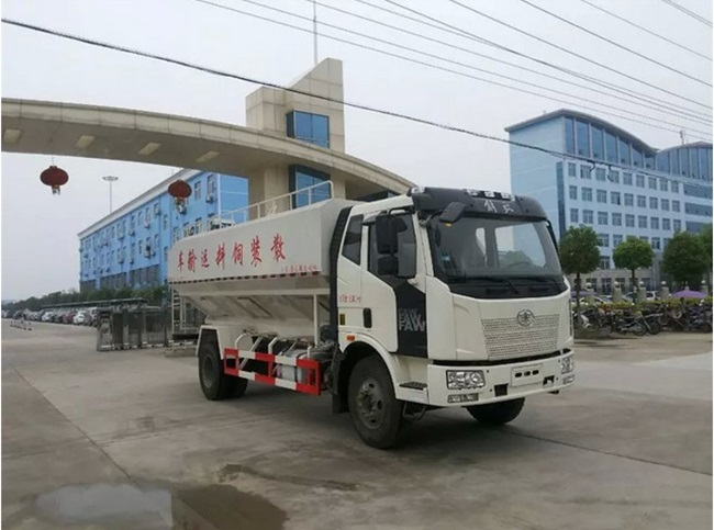 解放J6散装饲料运输车(22方)